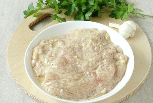 Még lisztbe és tojásba forgatod a rántott húst? Ennél mutatunk neked egy mennyeibb módszert