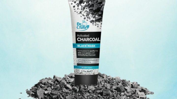 Tedd tisztává és ragyogóvá bőrödet a Dr. C. Tuna hámlasztó fekete arcmaszkkal