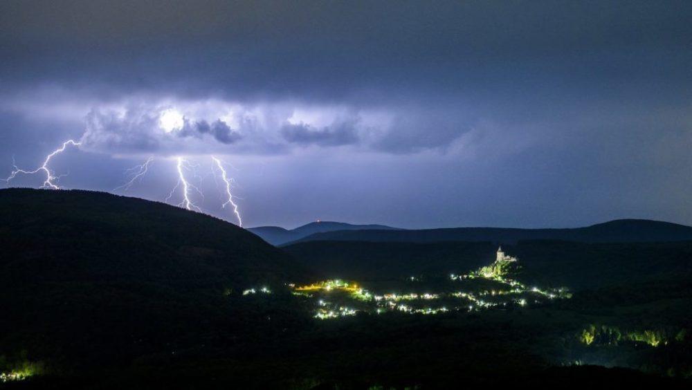 Itt a vihartérkép! Nálunk megtudhatod hol csap le először a vihar!